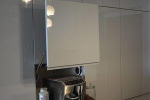 półka wysuwana w zabudowie - meble kuchenne