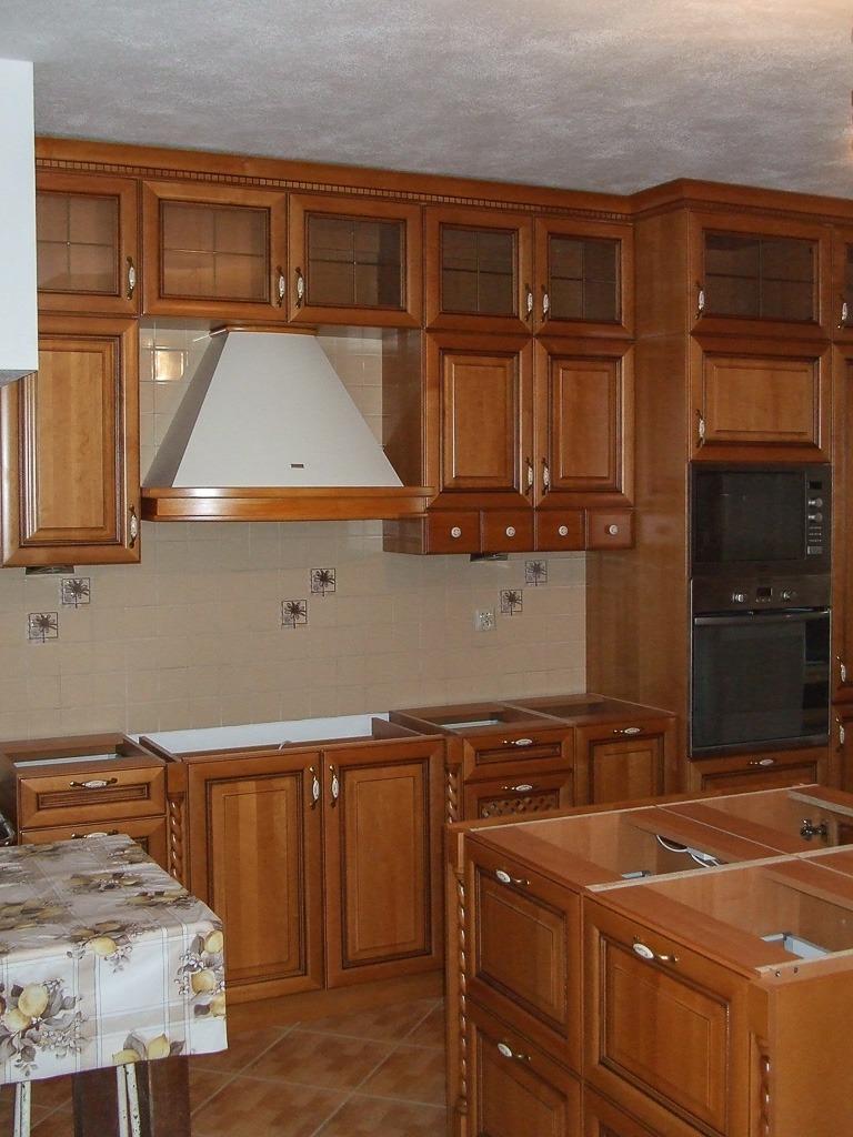 Duża kuchnia drewno
